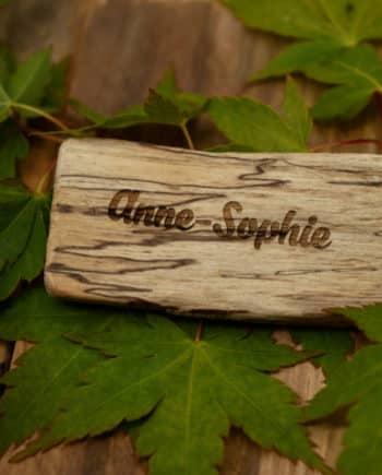 marque place en bois flotté