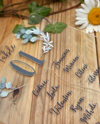 Plan de table en plexi pour mariage