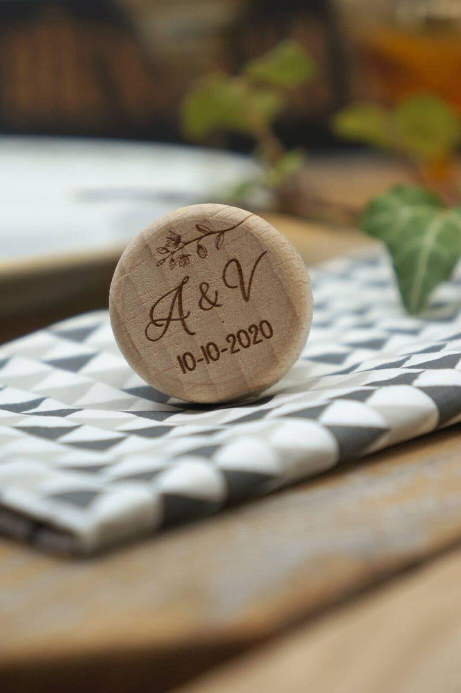 Bouchon liège personnalisé avec initiales