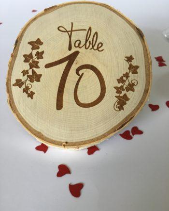 Marque table rondin gravé