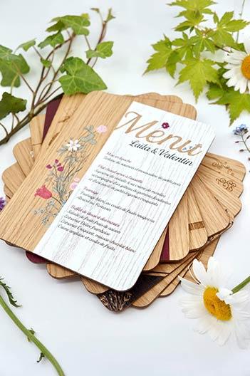 Menu en bois pour mariage